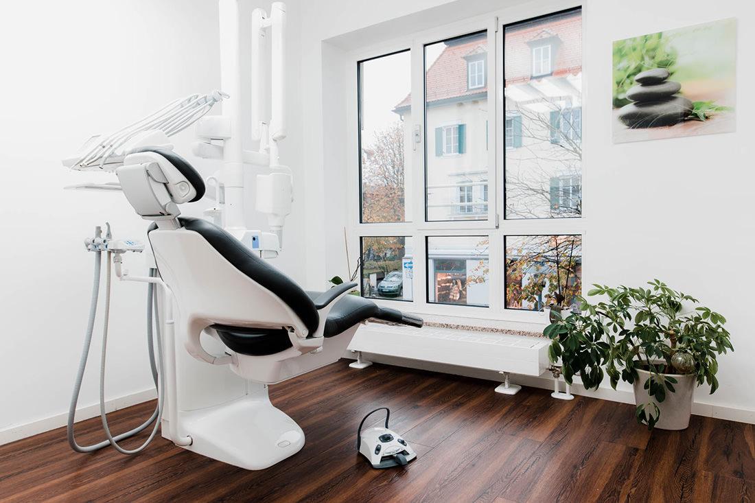 Zahnarzt Starnberg - Tichy - Praxis - Behandlungszimmer